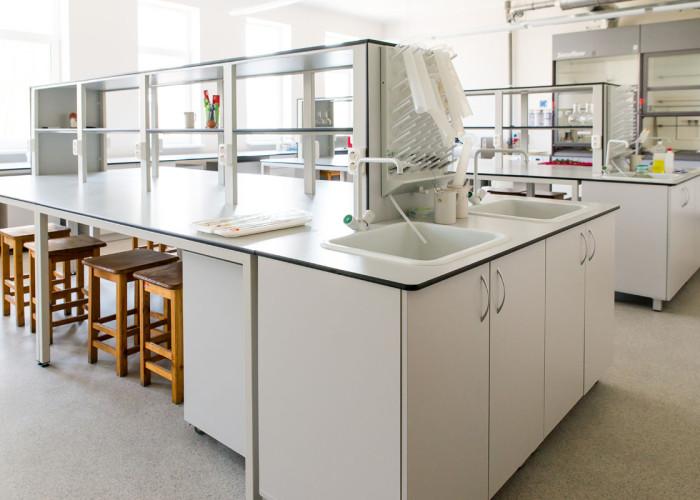 LLU Laboratoriju mēbeles 13