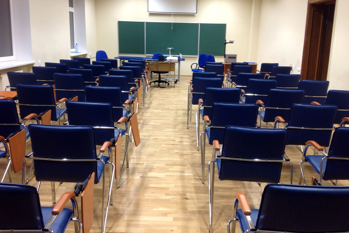 Liepājas universitātes mēbeles 04